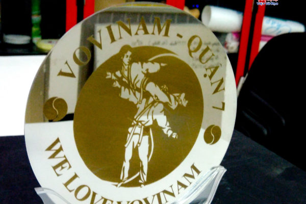 kỷ niệm chương inox cao cấp kỷ niệm 80 năm thành lập môn phái